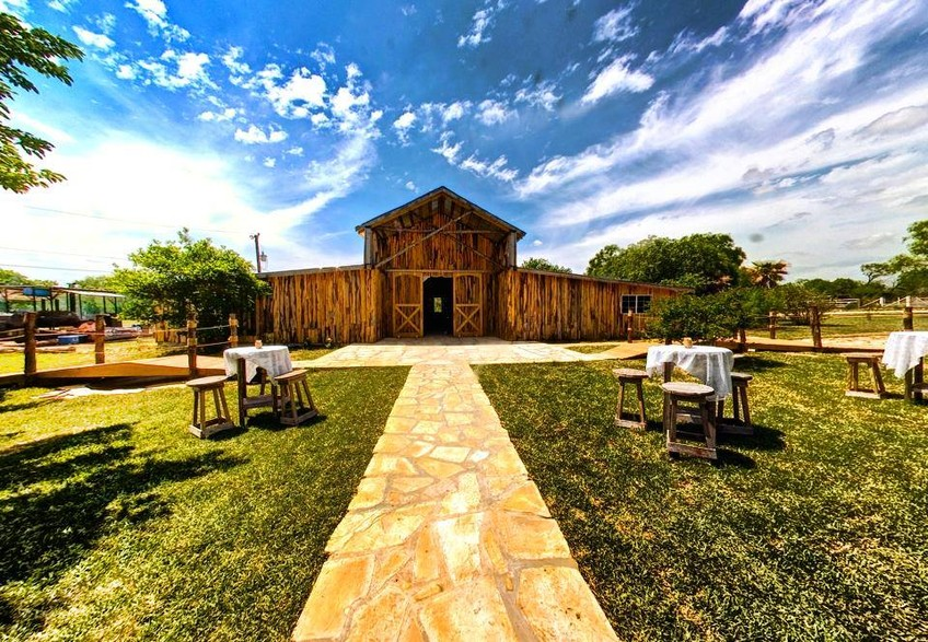 Rancho La Mission | Rustic San Antonio Event Venue | My San Antonio Quinceanera